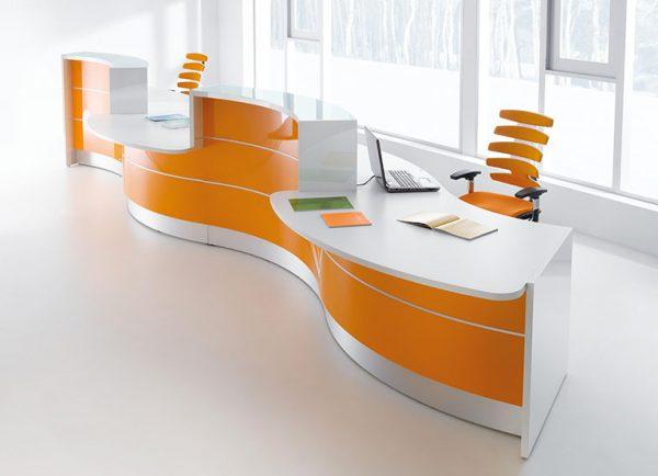 modern serviced desk, work space leeds